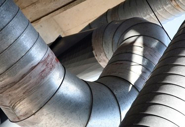 What Are the Causes of Popping & Banging Noises in Furnace Ducts?
