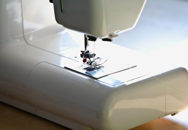 How to Troubleshoot a Singer Serger