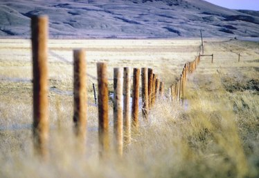How to Build a Staggered Fence