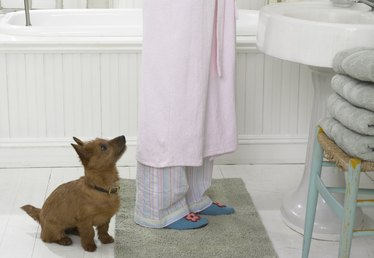 How to Get the Odor Out of Bathroom Mats