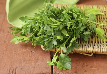What Are the Benefits of Parsley?