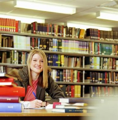 College students can earn a Bachelor of Science or Bachelor of Arts degree in psychology.