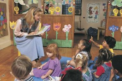 Introduce kindergartners to parts of speech during story time.