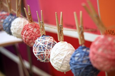 how to make yarn globes