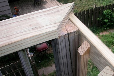A top plate makes the railing very secure and stable.