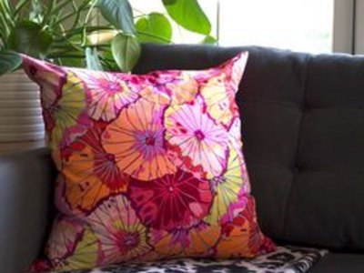 how to make a throw pillow (with pictures) | ehow Make Your Own Throw Pillows