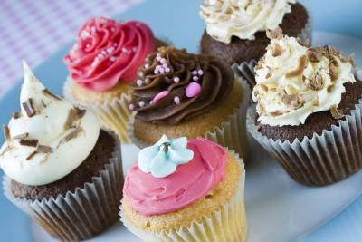 Make cupcakes that are themed to your party!