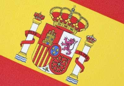 Children can create tiles with the Spanish flag on them.