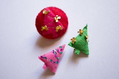 Make a felt brooch to accent every outfit.