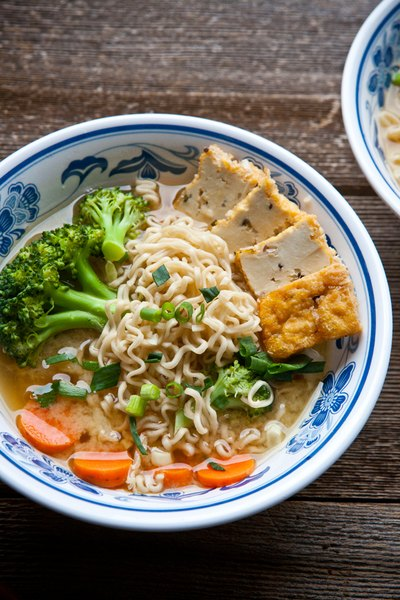 How to Make Miso Noodle Soup