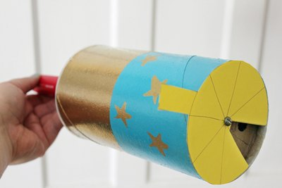 Decorate the tube of the moon phase viewer.