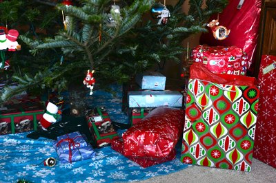 Games to Play With Christmas Presents (with Pictures) | eHow