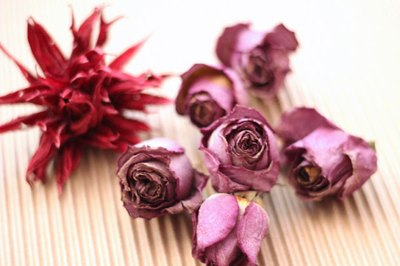 Add dried whole flower blooms