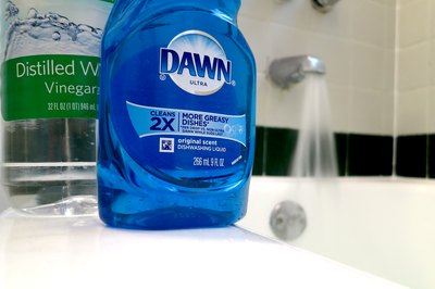 Dawn And Vinegar For Cleaning Blinds With Pictures Ehow
