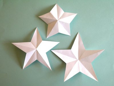 Different angled cuts make different shaped stars.