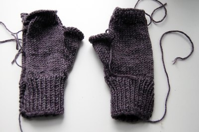 Knitting the thumb gusset