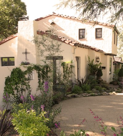Xeriscapes can be both low maintenance and beautiful.