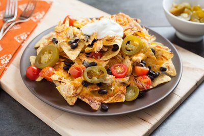 How to Make Mexican Chicken Nachos