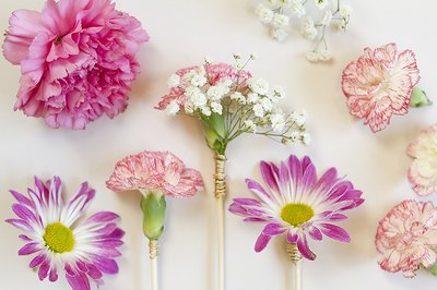 Finish your floral stirrers with gold wire.