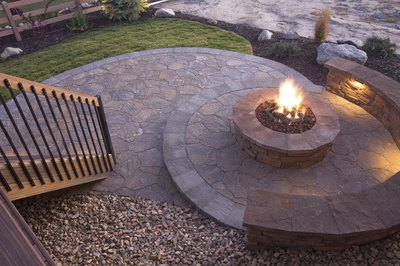 Beautiful backyard firepit