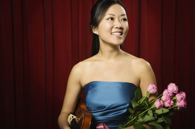 How to Give Flowers for an Artistic Performance