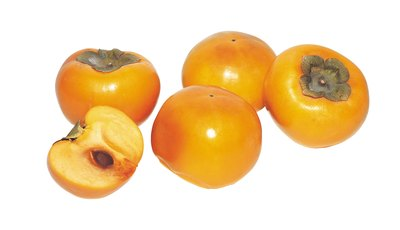 If the persimmons are overly ripe, use a fruit or cake that has spicy or acidic notes.