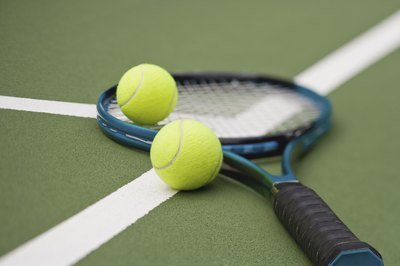 How Much Does it Cost to String a Tennis Racket? - Budgeting Money