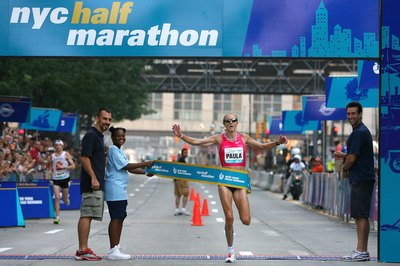 Paula Radcliffe of Great Britain winning the 2009 NYC Half Marathon.