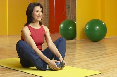 Stretching as an active rest workout improves muscle healing and flexibility.