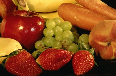 Many raw fruits and vegetables have a low glycemic index.