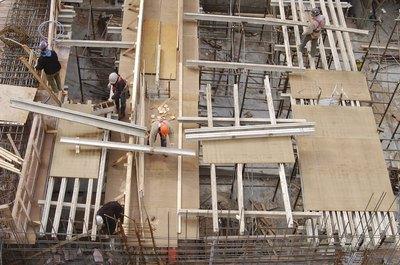Строительство квартиры может быть очень дорогостоящим.