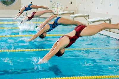 Middle distance swimming combines speed with endurance.