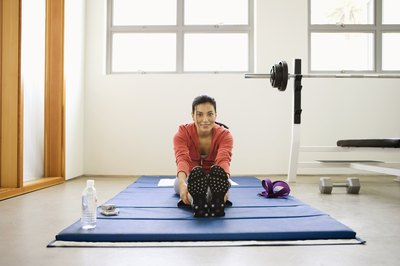 Use a thick exercise mat for Winsor Pilates.