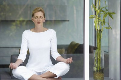 Kundalini Yoga Kriya for Nerves and Anxiety - Woman