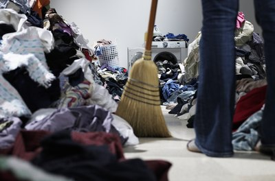 Buyers' agents likely will not show their clients your messy home.