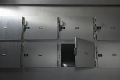 Morgue technicians and pathology assistants work with causes of death.