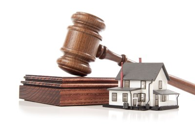 Can a Lien Be Put on a House When Someone Is Sued Who Is Not on the Mortgage?