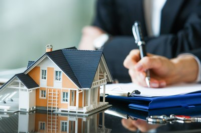 How to Obtain a Mortgage Without Your Spouse