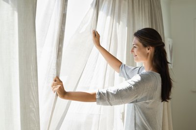 Saving Energy with Curtains