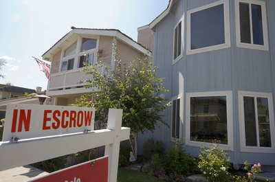 How Does an Escrow Account Work With an FHA Loan?