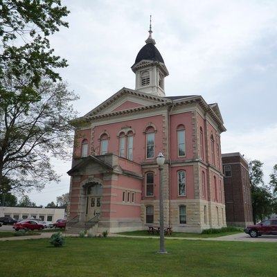 Menominee County Courthouse, Menominee, Michigan, Usa.