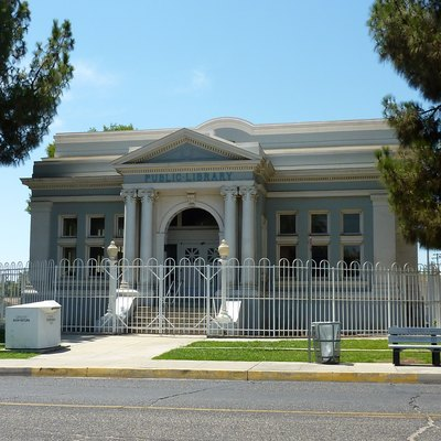 Kern Branch, Beale Memorial Library (Baker Street Branch Library) — Part Of Of The Kern County Library System, Located In Bakersfield, California.