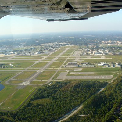 Aerial view of runway 7R, Daytona Beach International Airport