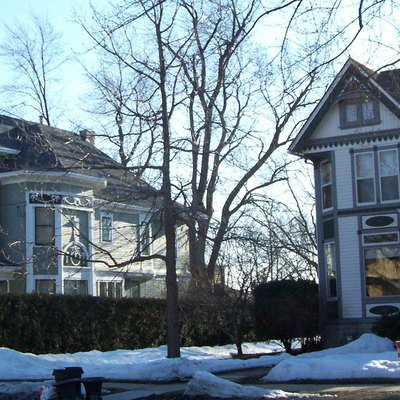 Houses in the Algoma Boulevard Historic District in w:Oshkosh, Wisconsin, USA.