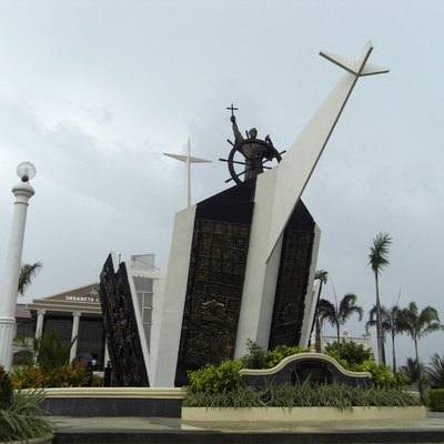 Andres Urdaneta monument, in front of Urdaneta City's City Hall, Pangasinan (Philippines)