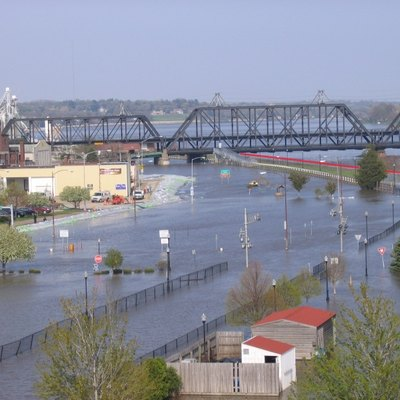 Flooding in Davenport, Iowa on April 30, 2008. The red line indicates where the Mississippi River should be. The picture was taken from the Davenport Skybridge.