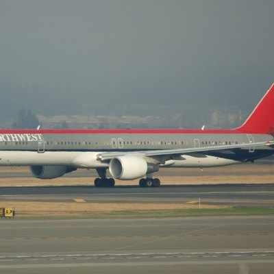 Northwest Airlines 757-300.