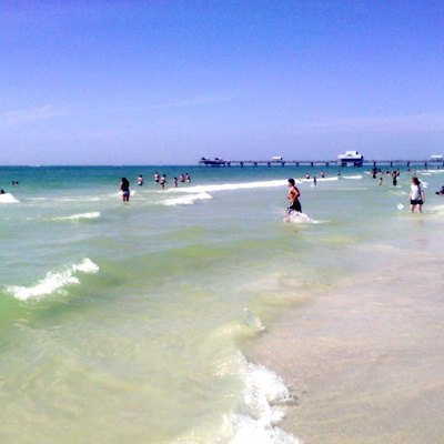 Beautiful water at Pier 60 in Clearwater Beach on a nice Spring Afternoon.