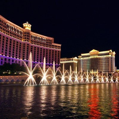 The Amazing Bellagio Fountains at night
