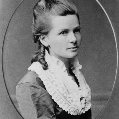 Bertha Benz, The First Long Distance Car Driver In The World
